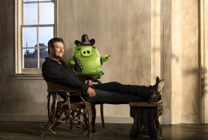 """Blake Shelton voices """"Earl"""" in in Columbia Pictures and Rovio Animation's ANGRY BIRDS."""