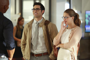 kara-and-clark-supergirl-season-2-episode-1