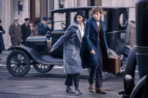 rs_1024x683-160206075025-1024-fantastic-beasts-and-where-to-find-them-newt-scamander-eddie-redmayne-movie-still-2616