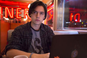 """Riverdale -- """"Pilot"""" -- Image Number: RVD101g_0362.jpg -- Pictured: Cole Sprouse as Jughead -- Photo: Katie Yu/The CW -- © 2016 The CW Network. All Rights Reserved."""